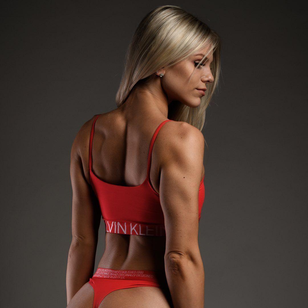 Elisa 🇵🇱🇧🇪IFBB Bikini Athlete